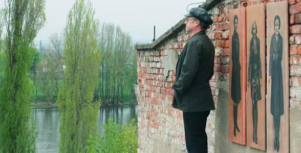 Hans-Jürgen Reichelt  vor seinem Atelier